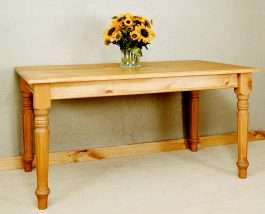 Farm Table with Fluted Leg