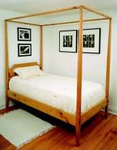 Pencil Post Bed (Twin)